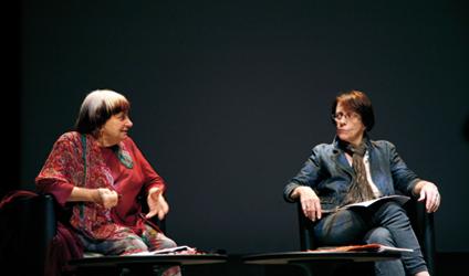 Photographie de Agnès Varda ainsi que Jackie Buet