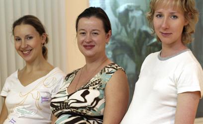 Photographie de trois madames enceintes