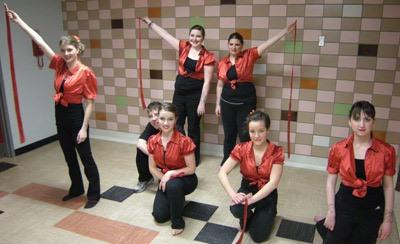 Photographie de la troupe de danse.
