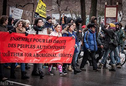 Photographie de la marche du mouvement des femmes autochtones.