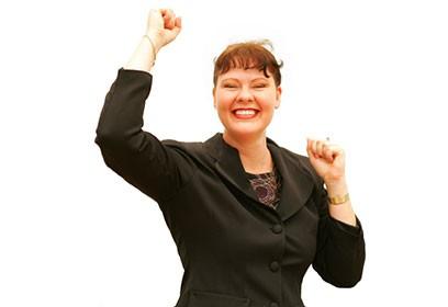 Photographie d'une femme heureuse.
