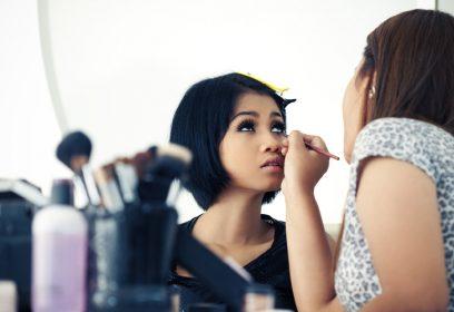 couverture de l'article « Boulots de filles, boulots de l'ombre »