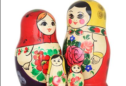 Photographie de poupées russes