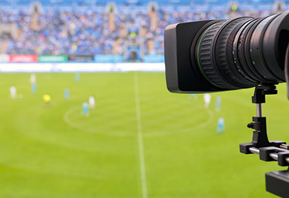 Caméra dirigée vers un terrain de soccer