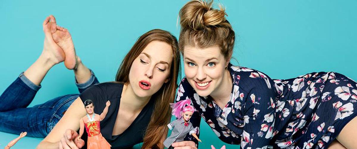 Photographie de deux femmes.