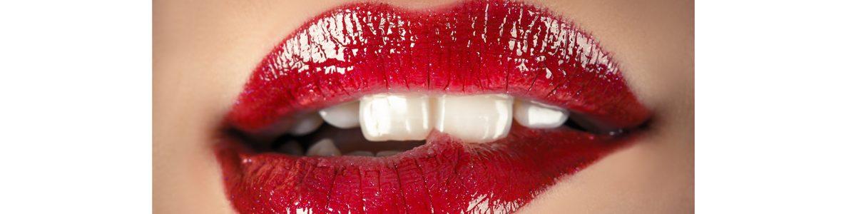 Photo de lèvres d'une femme.