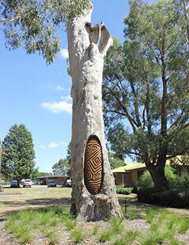 Un arbre servant aux pratiques culturelles.