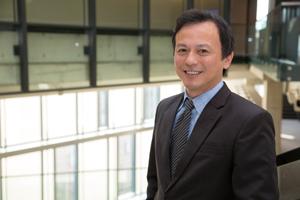 Dr Michael Lu.